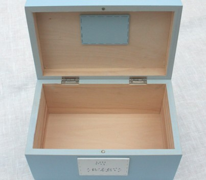 All Freya Design products are painted with non-toxic paints and we have decided to leave the inside of the boxes unpainted in order to retain the natural smell of wood.