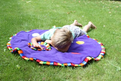For use indoors and outdoors, the Flower Meadow Mat is fantastic for encouraging storytime, crawling and can be used as a playmat or blanket.