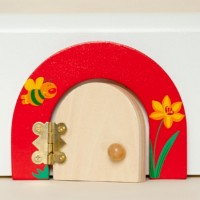 Buzzy Bee Fairy door