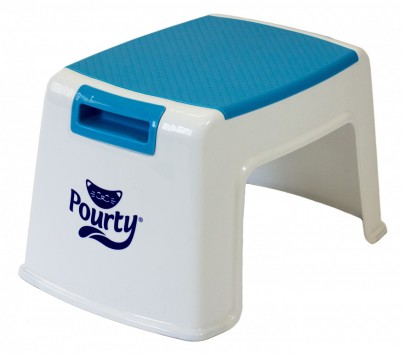 Pourty Up Step (white/blue) co-ordinates with the Flexi-fit Toilet Trainer and Pourty Potties in white and blue.