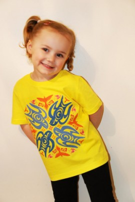 Our adorable model wears 3-4 year old (she is 3 years old)