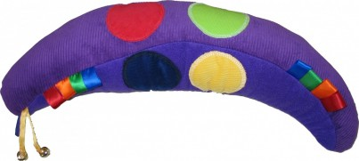 This vibrant support/pillow provides sensory appeal and combines comfort and play-value when used alongside the accompanying songs, stories and activity ideas.