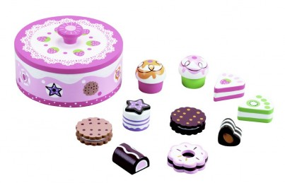 Delicious in Pink - Cakes in a Wooden Decorative Tin, 11 Pieces