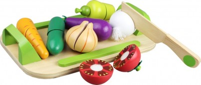 9 Piece Wooden Cutting Selection With Tray and Knife - Vegetables